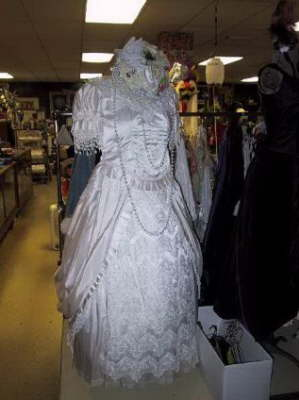 Dallas Costume Shoppe costumes for Wedding Dresses